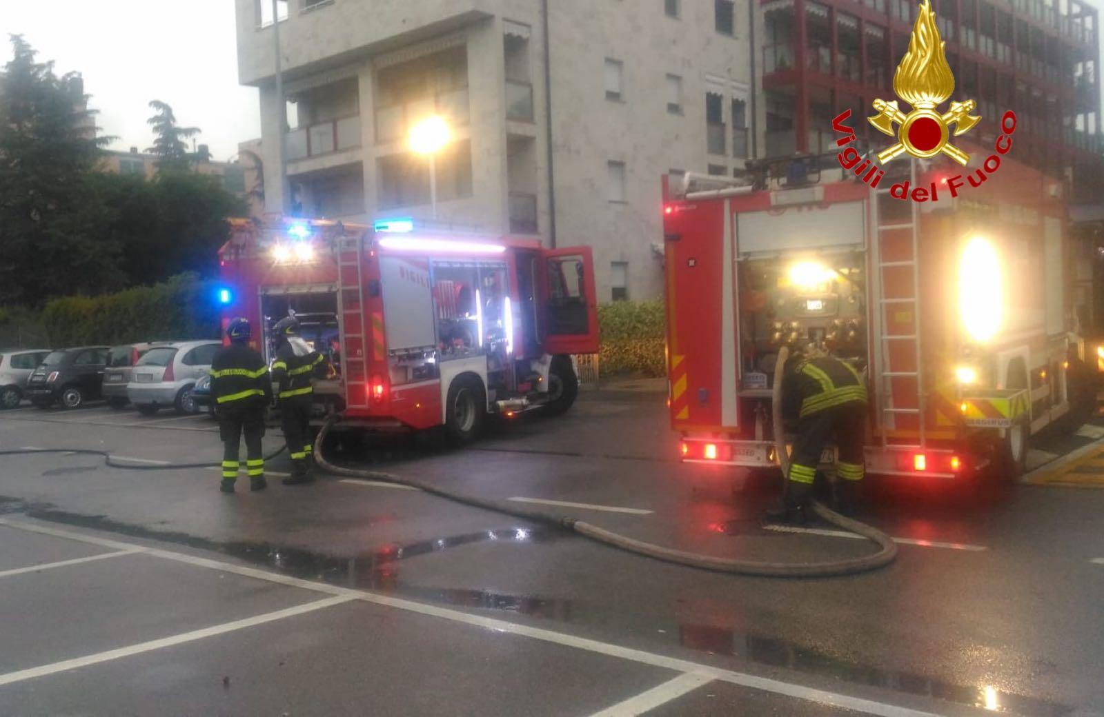 IncendioAutoSettimo1