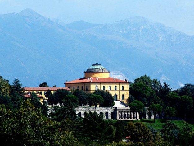 Inverigo Villa Cagnola