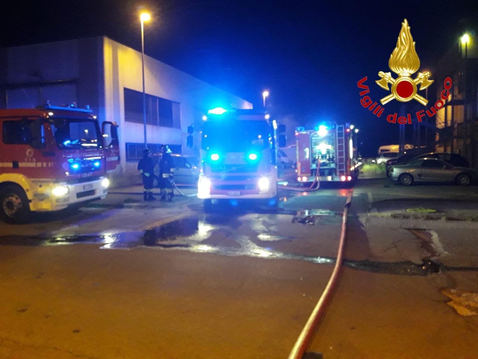 Pieve-Emanuele-incendio-auto